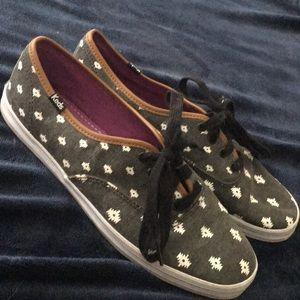 Woman's size 8 Keds shoes